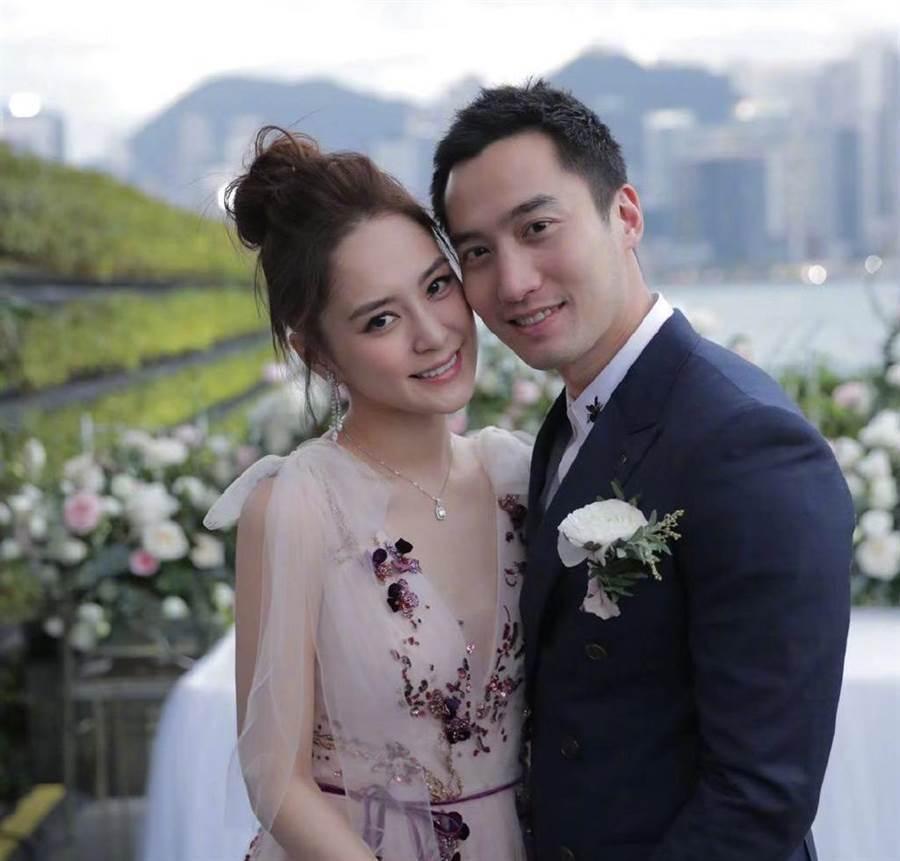 阿嬌、賴弘國昔日婚照。圖/摘自微博