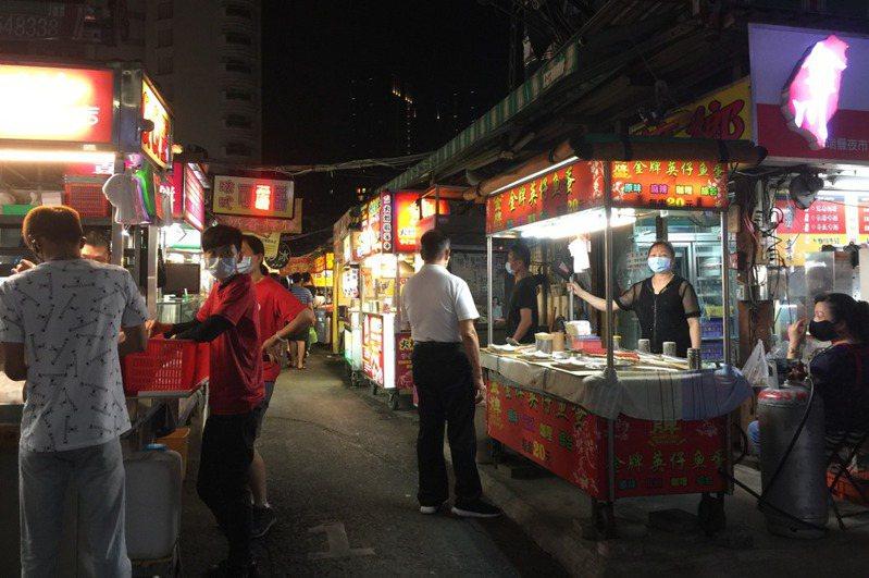 有網友問台灣哪道國民小吃買了cp值最低,包括骰子牛、蚵仔煎都在討論範圍內。示意圖,非新聞事件圖。圖/本報資料照片