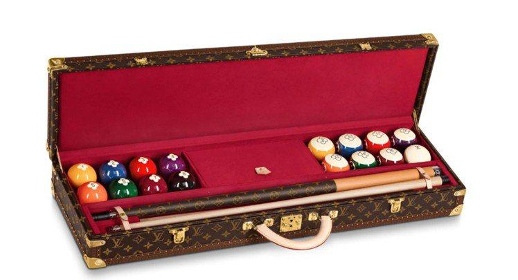 路易威登早先已推出撞球球具、球桿的訂製箱盒服務。圖/取自LV官網