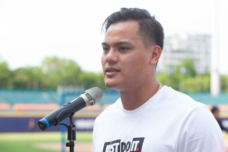 美國職棒關閉春訓基地,不少旅美球員包含張育成在內,選擇回到台灣維持訓練,不過何時能夠歸隊?大聯盟還沒有給出時間表 聯合報系資料照