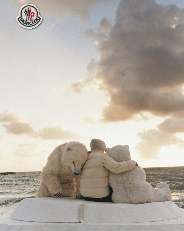 Bruce Weber曾未MONCLER拍攝的小孩與北極熊,成為#WARMLYM...