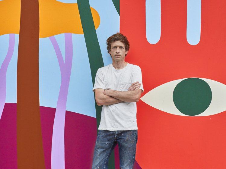 藝術家Luckylefthand以壓克力顏料在路易威登總部外牆彩繪。圖/LV提供