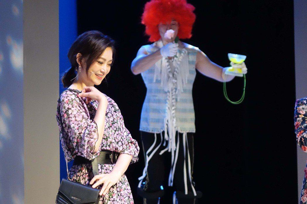 劉瑞琪在「最後一封情書」中飾演罹癌但勇敢追夢的女強人。圖/全民大劇團提供