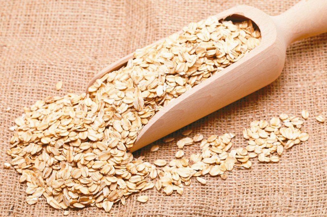 全燕麥降低膽固醇 圖/123RF、pixabay