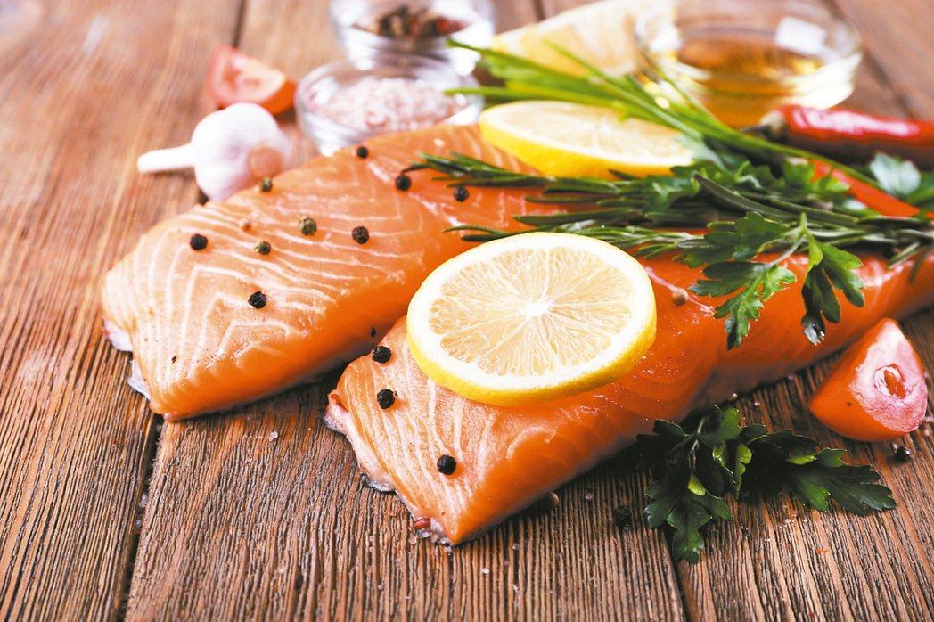鮭魚抗發炎減輕疼痛 圖/123RF、pixabay