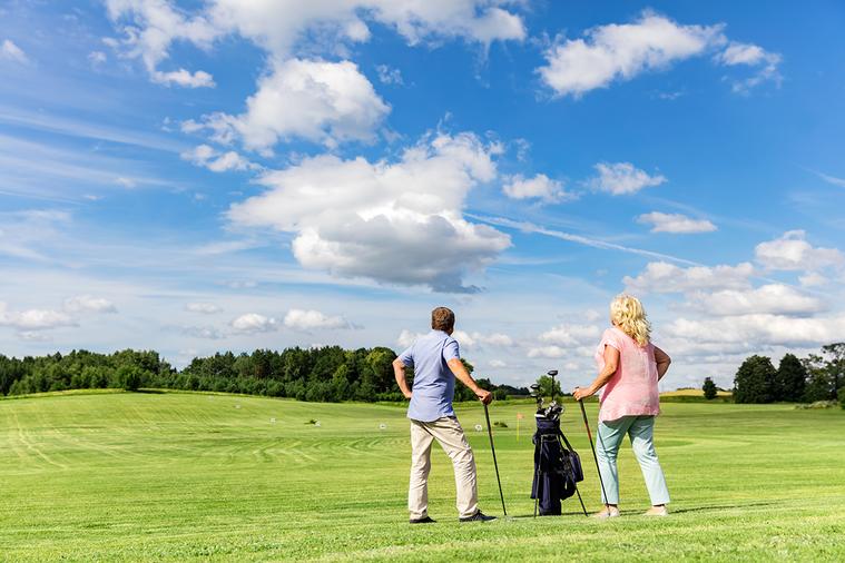 手術有一定的風險,也許以後無法繼續踏青或打高爾夫球,於是開刀前先向健行夥伴告假3...