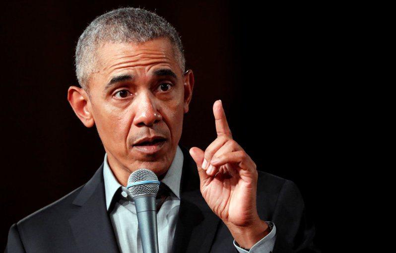 美國前總統歐巴馬痛批,川普政府處理新冠肺炎疫情的方式是災難。(路透)