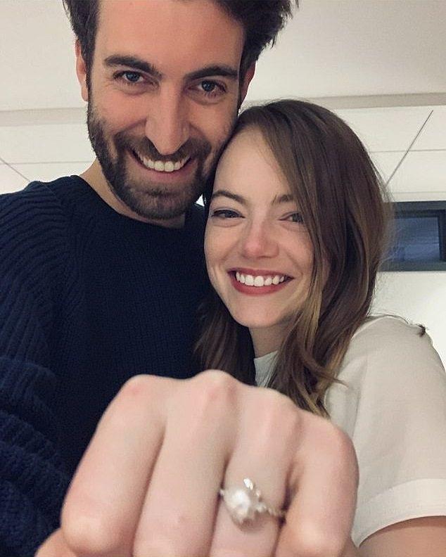 艾瑪史東與戴維麥卡瑞曾經高調宣布訂婚。圖/摘自Instagram
