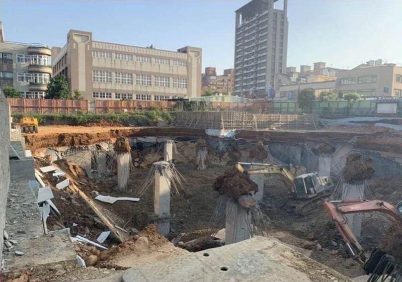 桃園市平鎮區文化公園地下停車場4月30日坍塌意外造成1死2傷。圖/桃園市議員舒翠玲提供