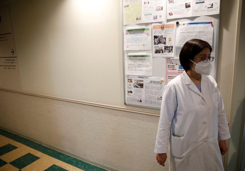 日本抗疫第一線醫護遭歧視。(路透)