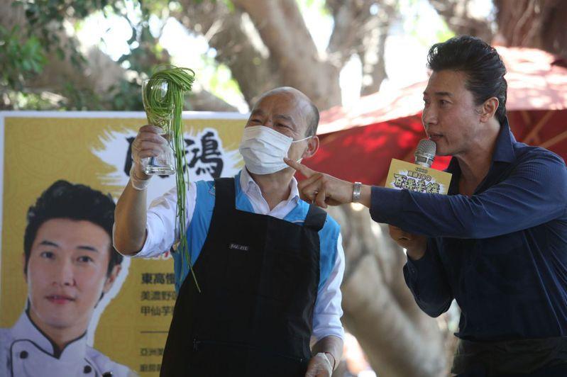 高雄市長韓國瑜(左)面臨罷免難關,支持者也希望黨中央能全力協助韓挺過高雄保衛戰這一關卡。本報資料照片