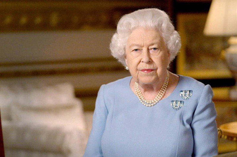 8日是二次世界大戰勝利75周年,英國女王伊麗莎白二世在溫莎堡發表電視演說。(歐新社)