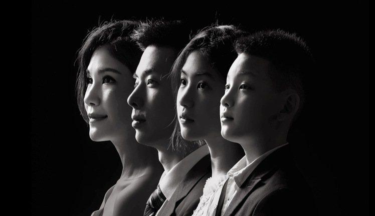 蔣雅淇與三名子女。圖/蔣雅淇提供