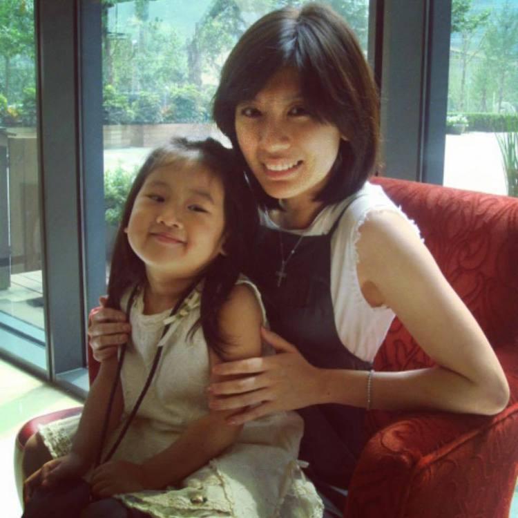 賈靜雯與大女兒梧桐妹。圖/摘自臉書