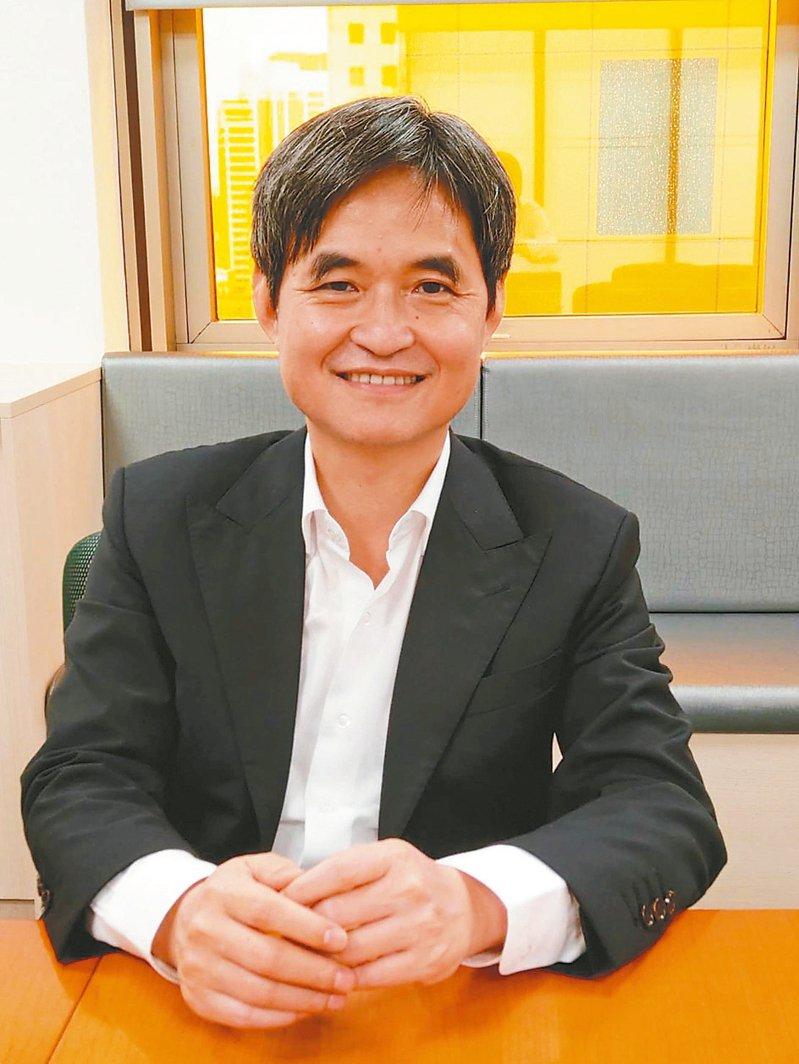 文曄董事長鄭文宗強調市場一直變化,新舊業務都需要兼顧。 記者鐘惠玲/攝影