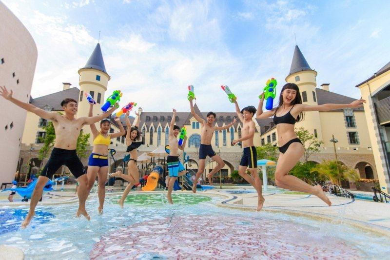 瑞穗天合國際觀光酒店的獨家特色「金色水樂園」,總讓旅客玩得不亦樂乎。 業者/提供