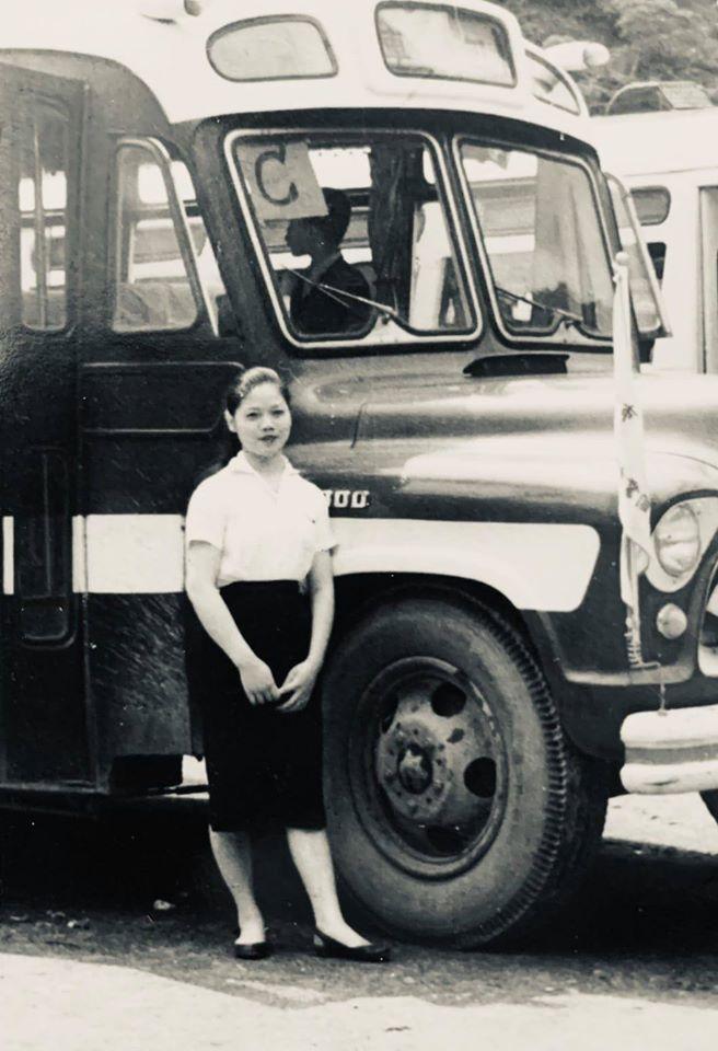 50多年前,我阿母是遊覽公司的隨車小姐。 圖/蔡興祥提供