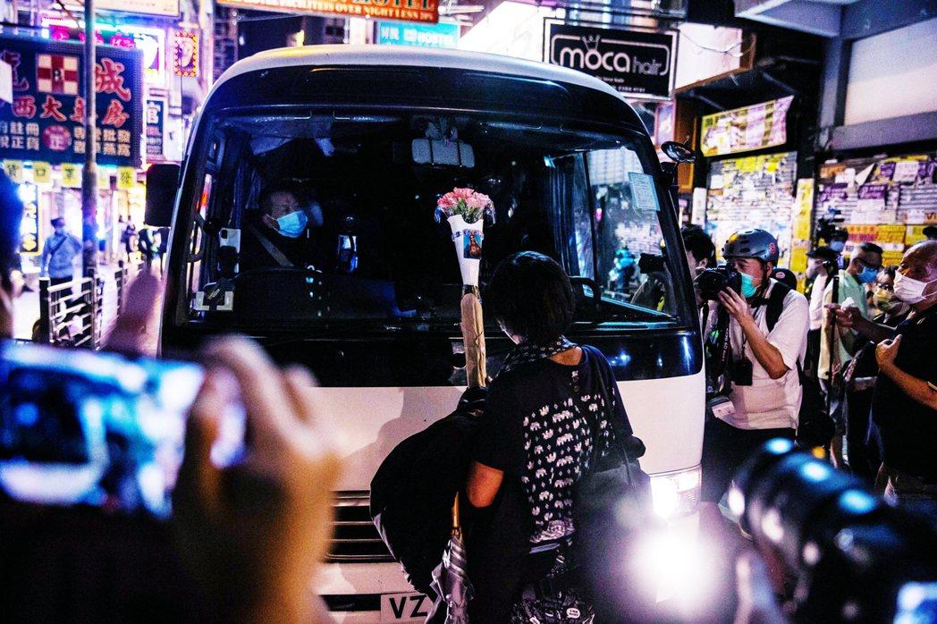 在政治上的風向急速向下外,疫情趨緩中的香港,也即將在6月迎來一連串高度敏感、且皆...