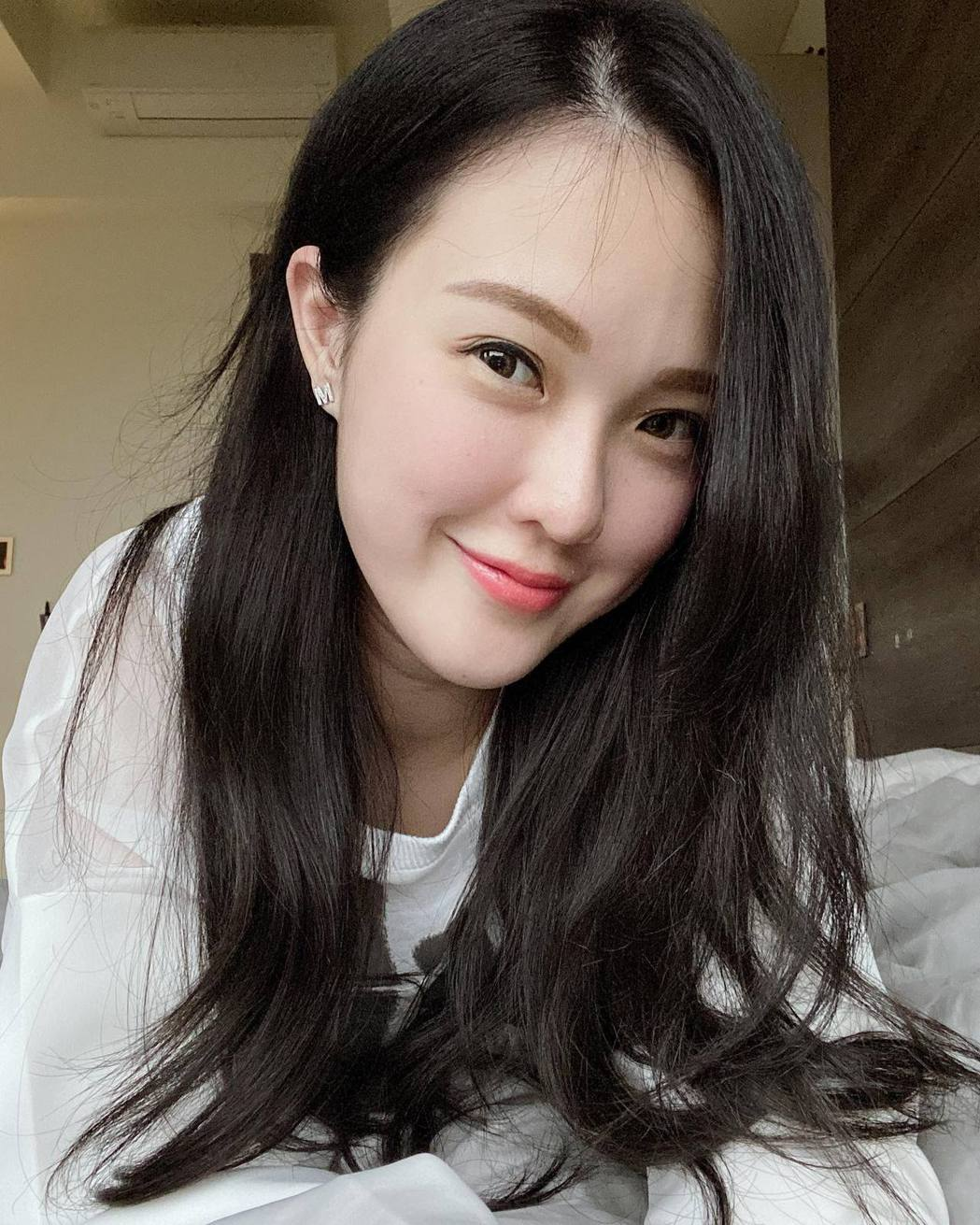 吳品萱在臉書發文酸紀艾希。 圖/擷自吳品萱臉書