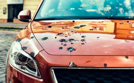 鳥屎噴車的痛Ford懂 以人工鳥屎測試並強化車漆