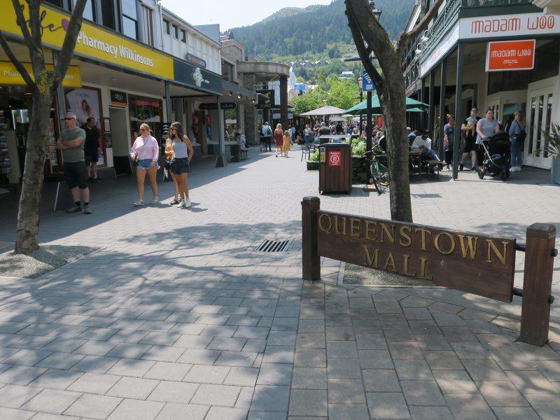 紐西蘭的皇后鎮(Queenstown)的步行街