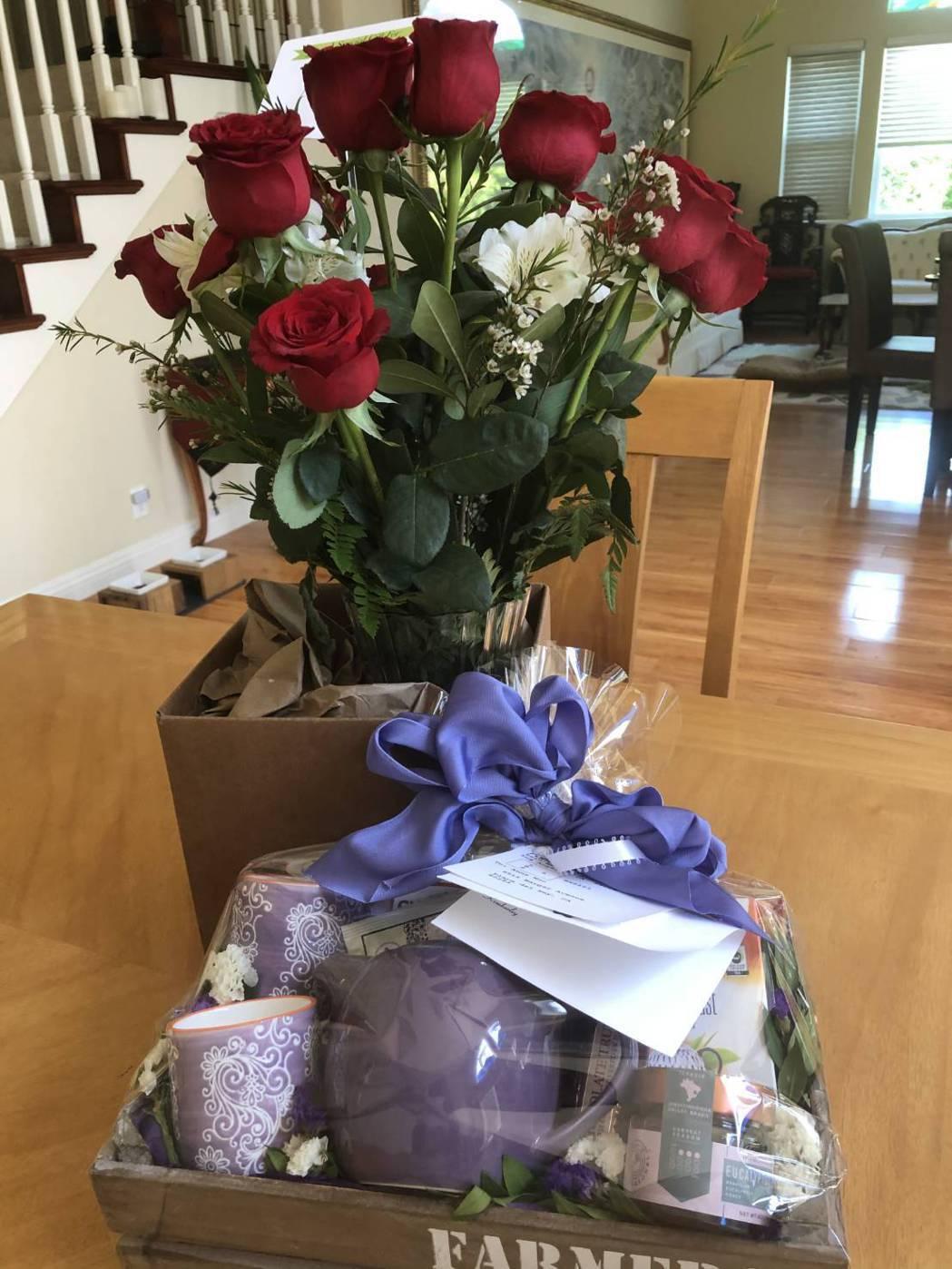 女兒送的母親節禮物。圖/倪有純提供