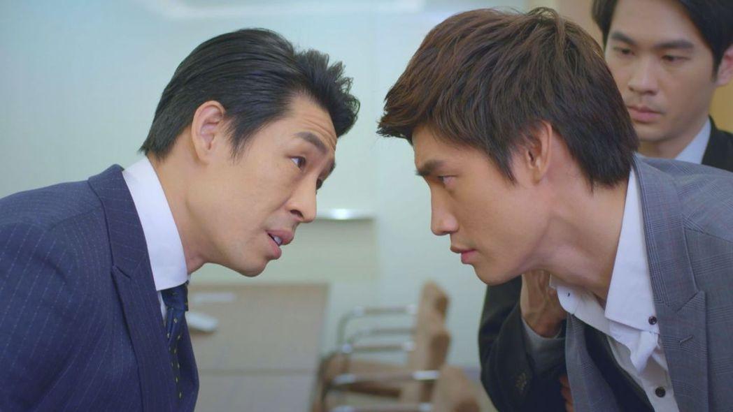 羅宏正(右)、藍鈞天上演兄弟鬩牆。圖/台視提供