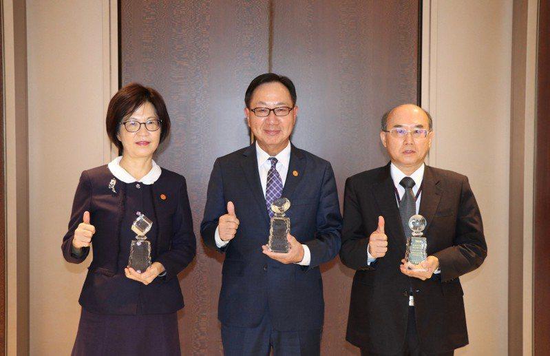 華南銀行力挺新南向政策,海外信保基金業務連年獲獎。圖/華南銀行提供