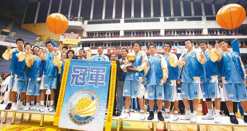 新榮高中發展籃球運動,成績不錯,但仍面臨招生困境。圖/新榮高中提供