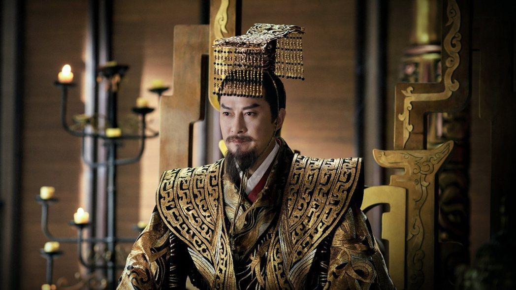 劉錫明經常在古裝劇中演皇帝。圖/中視提供