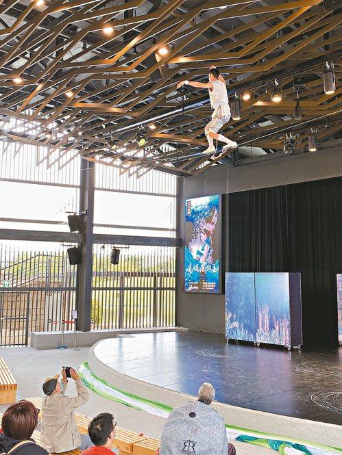 傳藝中心的新劇碼,劇場內通風良好,管控人流,可以安心入座。 記者羅建怡/攝影