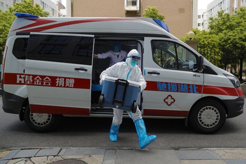 武漢一小區5名無症狀患者轉確診近5000人需進行核酸檢測 官員封控不力被免 新華社