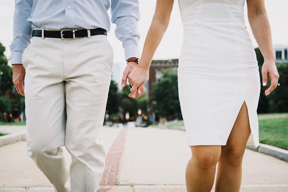 有研究指出,不論情侶或是夫妻,感情失衡很大的原因就是錢,所以跟另一半的理財方式也...