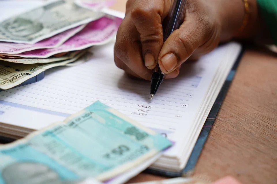 夫妻結婚後,可以選擇用法定財產制或約定財產制,來決定結婚後的財產歸屬問題,如果用...