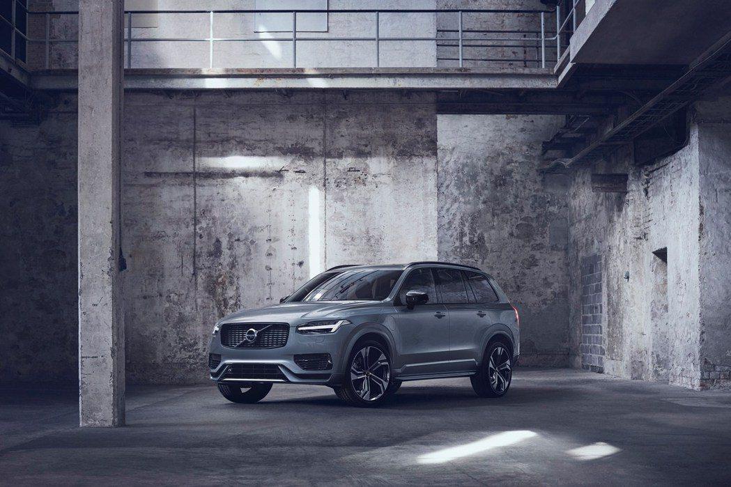 相較於未來第三代XC90還會提供汽油動力,全新XC100預計將只會有純電能動力。...