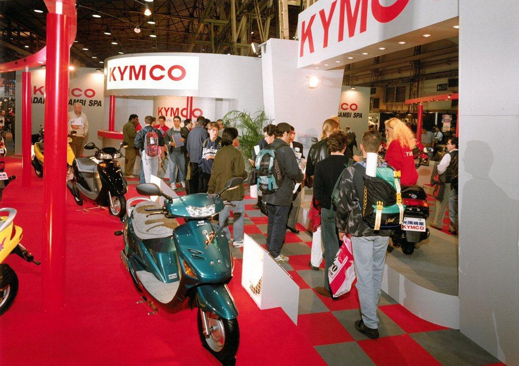 1993年官方正式參展的攤位實景圖。。 圖/KYMCO提供
