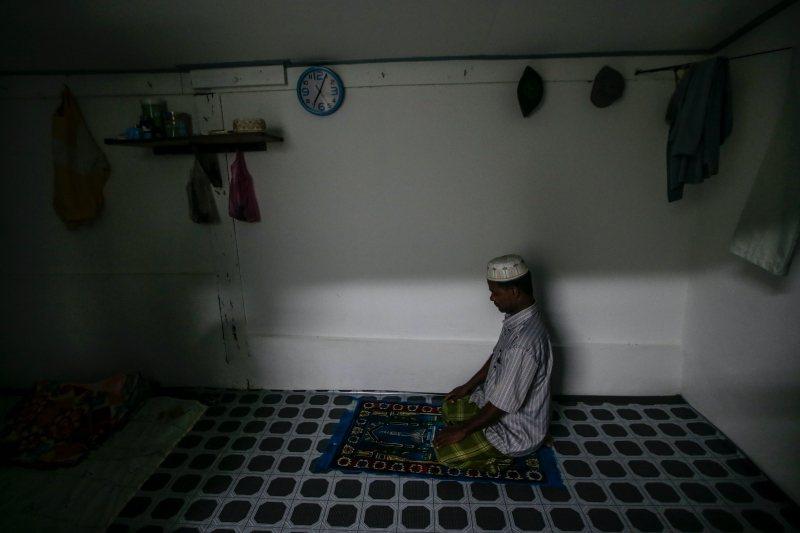 馬國政府通常對穆斯林難民更為接受,但近年已逐漸緊縮。圖為居住在馬國的羅興亞人。 圖/歐新社
