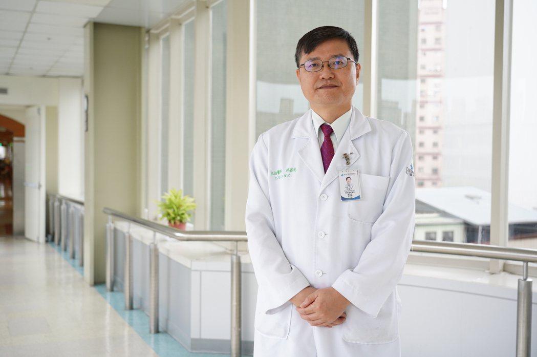 聯新國際醫院腎臟科主任林盈光表示,有些水果的含鉀量高,腎臟功能不好的民眾不可以一...