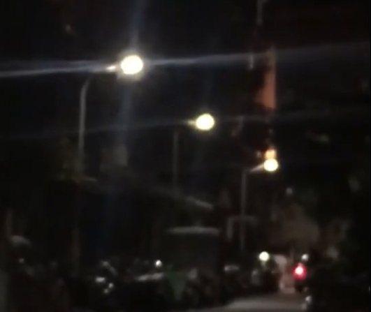 一名男子5月10日凌晨2時許,獨自駕車到台北市萬華區和平西路三段382巷內開槍。記者李隆揆/翻攝