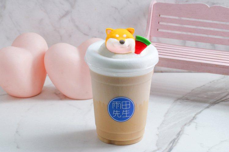 最具代表性的「部長鮮奶茶」,特定時段優惠價150元。圖/雨田先生提供