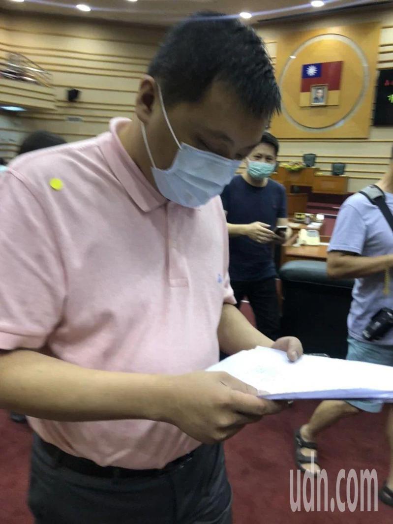 嘉義市副議長蘇澤峰今天表示,收到起訴書後會對外說明。記者李承穎/攝影