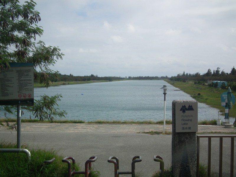 台東縣頻傳溺水意外,危險水域的告示太制式,也不夠明顯。記者尤聰光/攝影