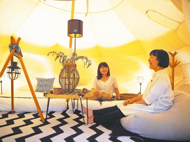帳篷內,也各有不同設計。 記者羅建怡/攝影