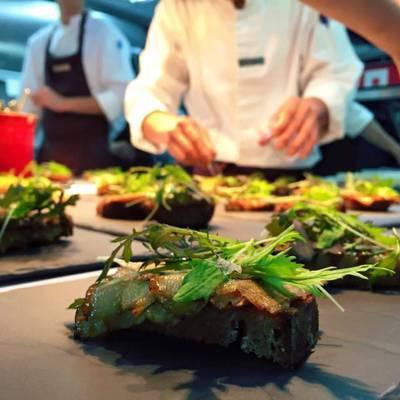西班牙的星級餐廳「Mugaritz」,來自海外的客人比重很高。 圖/摘自Muga...