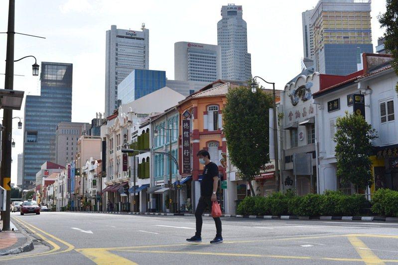 東南亞疫情延燒,新加坡17日新增682起確診2019冠狀病毒疾病(COVID-19,新冠肺炎)病例,總計逾2.8萬人染疫。 美聯社