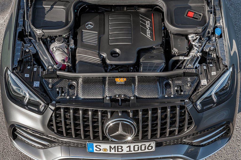 Mercedes-AMG GLE 53 4MATIC+具備435hp最大馬力輸出...