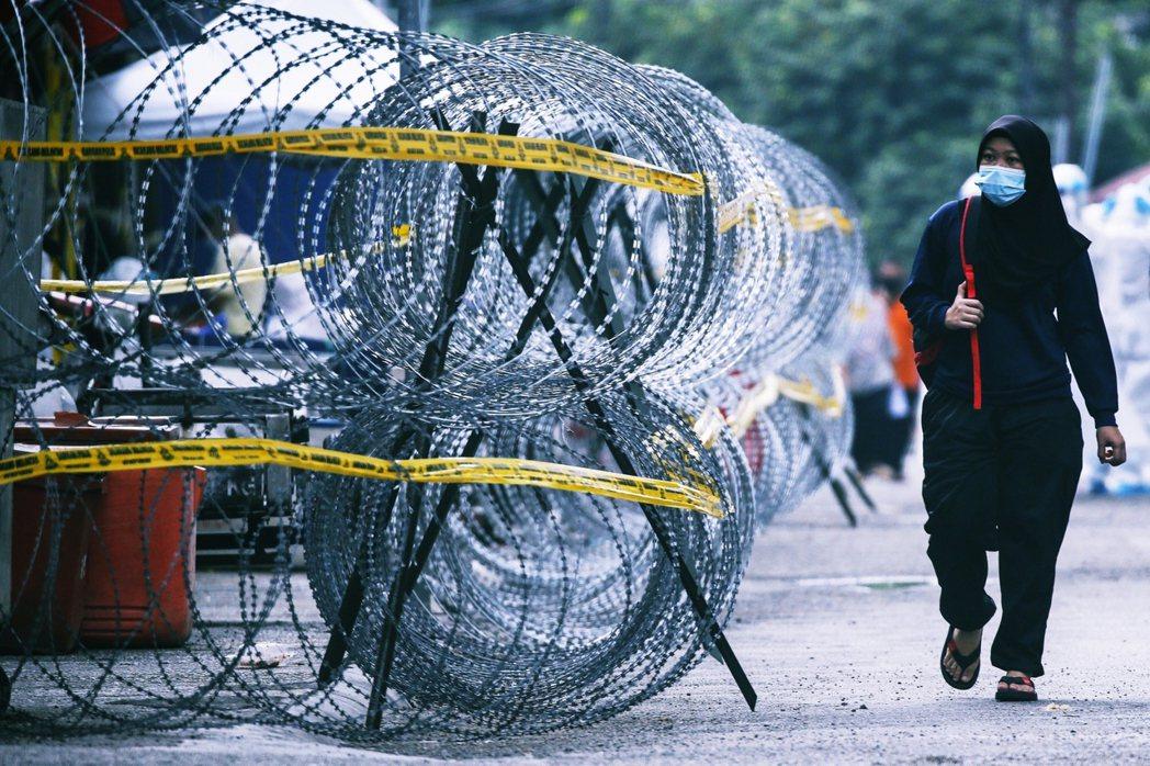 防疫展望漸趨樂觀的同時,過去一個多月來,大馬各地政府卻紛紛展開大規模的「非法移工...
