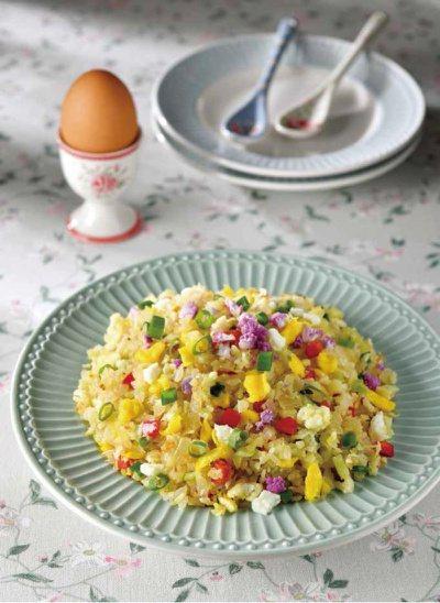 花椰菜米偽炒飯。 圖/日日幸福出版社 提供