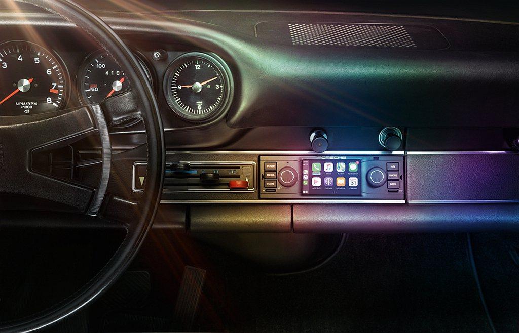 Porsche 991自993世代以前的車型,提供3.5吋螢幕的多媒體影音系統,...
