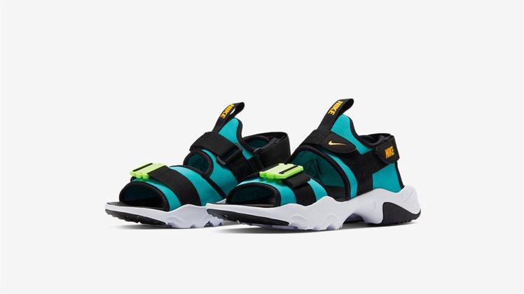 Nike Canyon系列,以上世紀 90 年代的多功能涼鞋為靈感。圖/Nike...